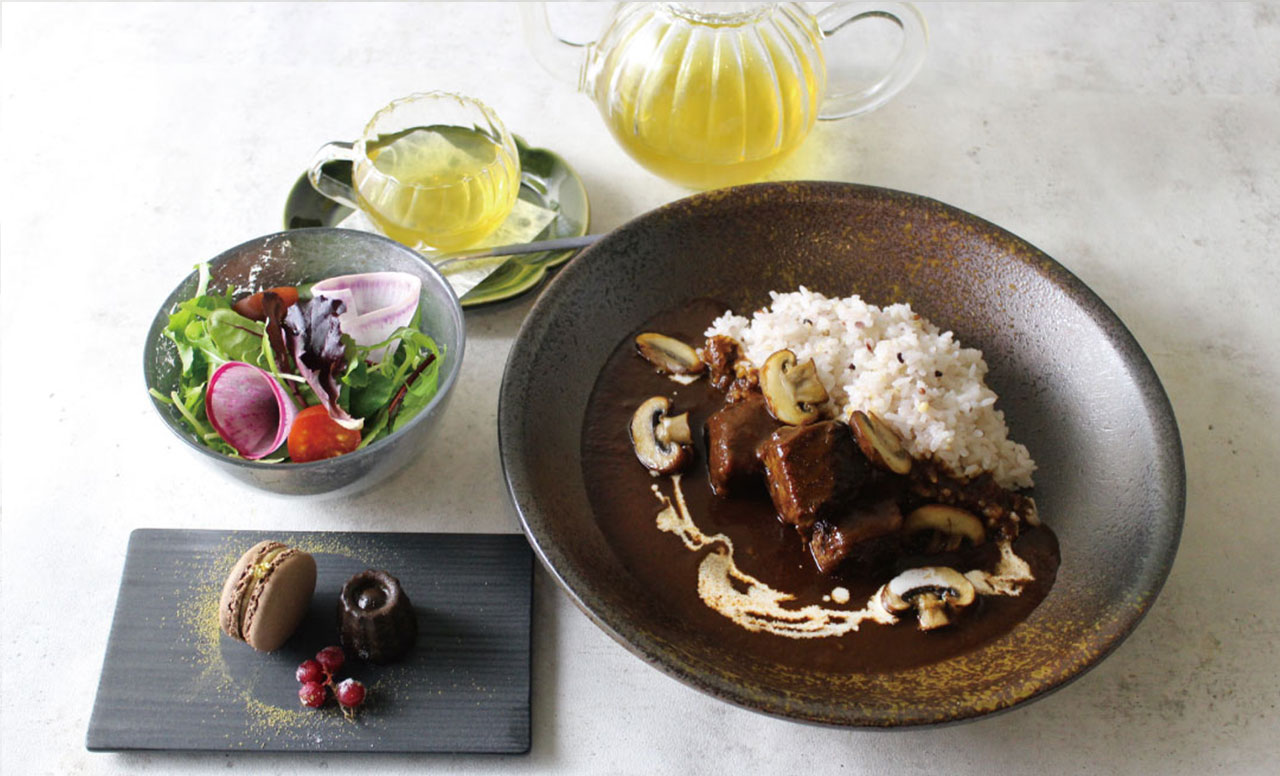 神戸牛と六甲マッシュルームの凸凹ハヤシライス